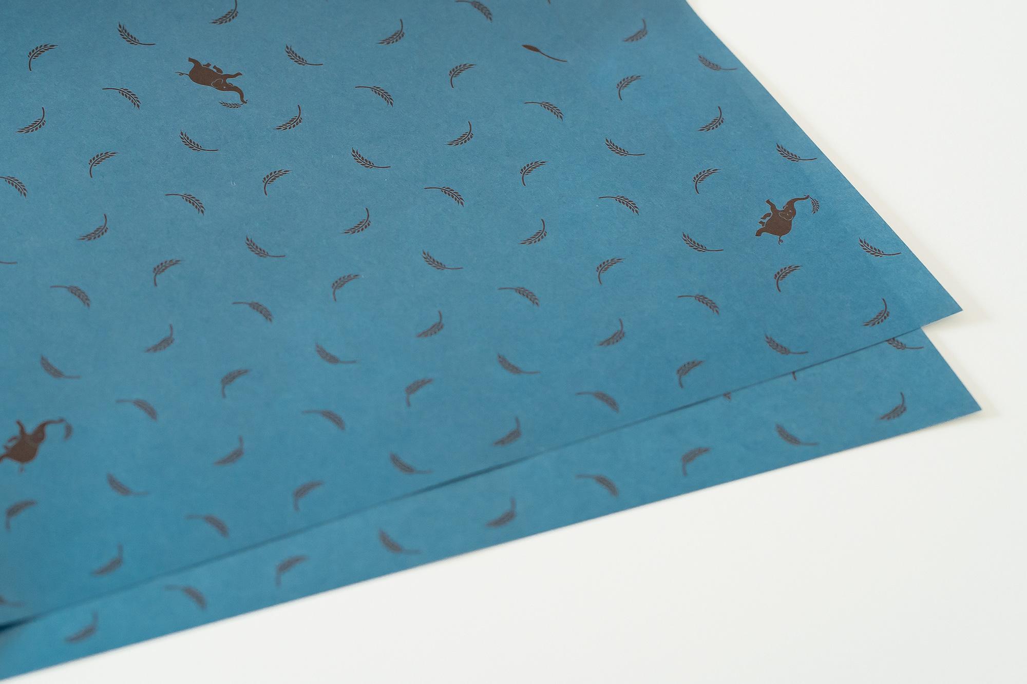 グラノーラ専門店の包装紙デザイン