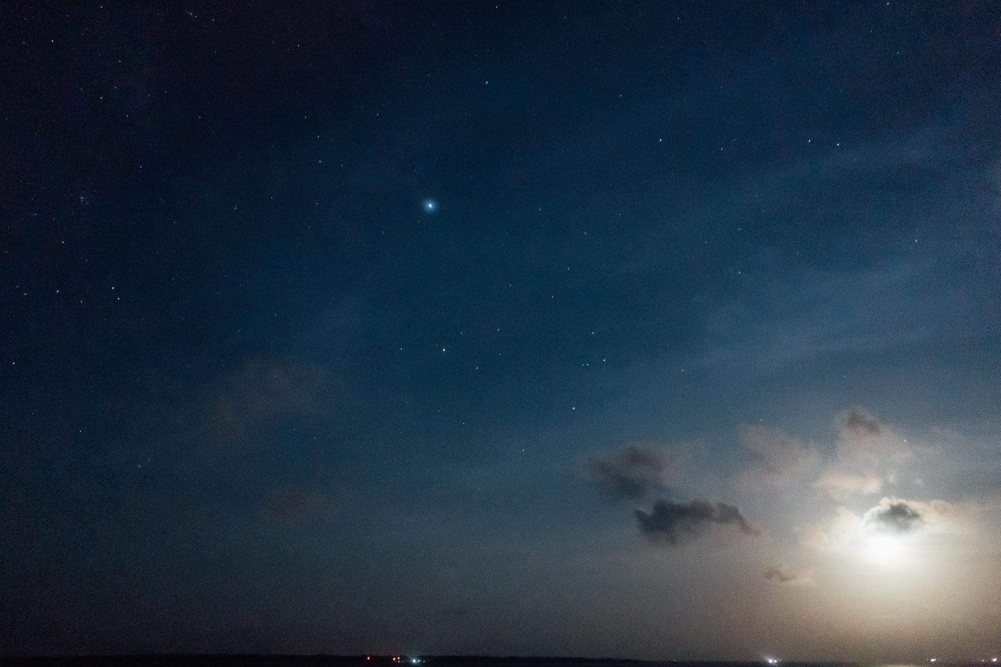 石垣島の月・星空