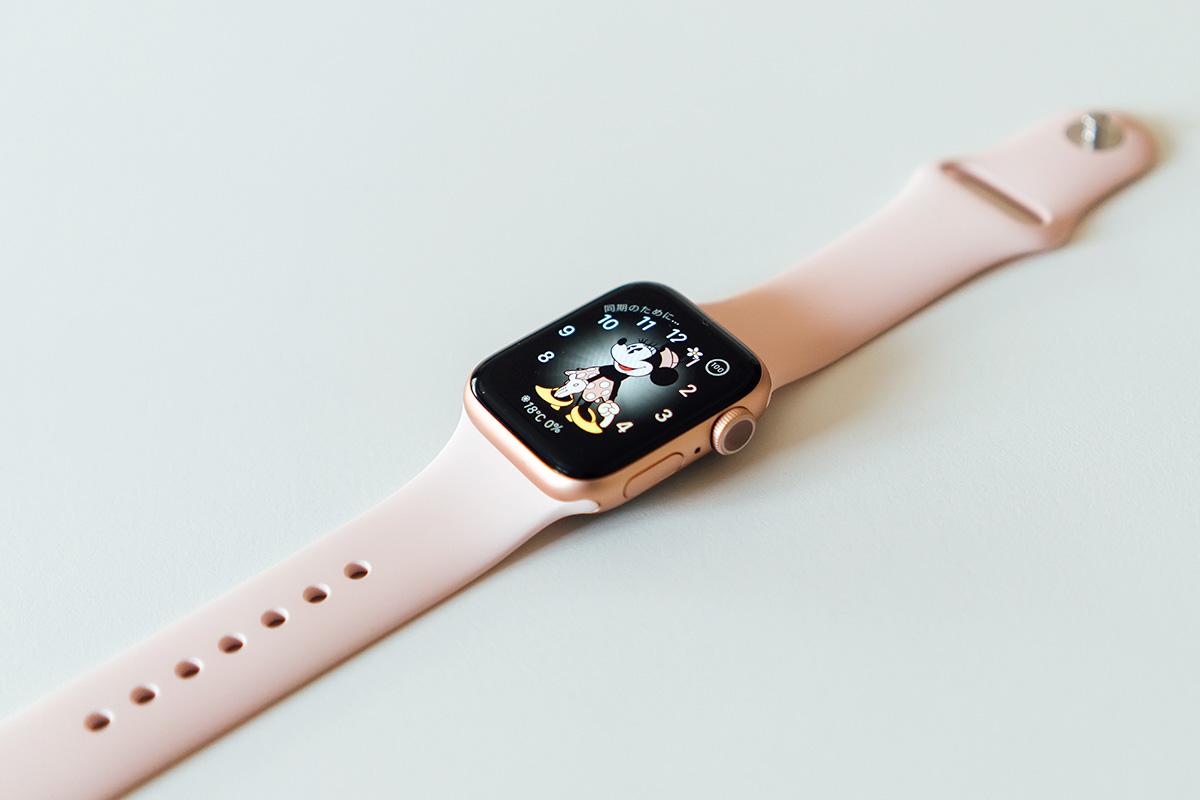 Apple Watch 5 + スポーツバンド(ピンクサンド)
